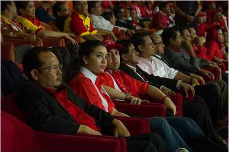 Mana mungkin Manohara diculik jika beliau mampu hadir keperlawanan akhir Piala FA antara Kelantan dan Selangor  diStadium Bukit Jalil pada 18/4/09?